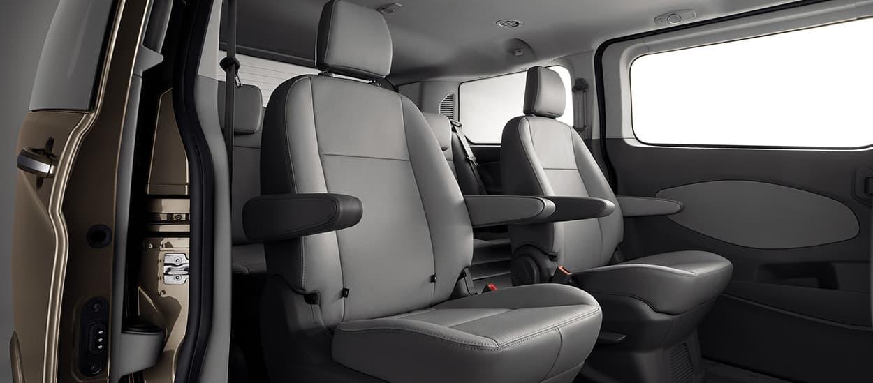 Ford Tourneo tiện nghi trang bị