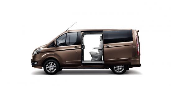 Ford Tourneo ngoại thất - Phần bên hong